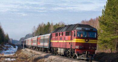 Проводник заставила жительницу Усинска десантироваться из движущегося поезда