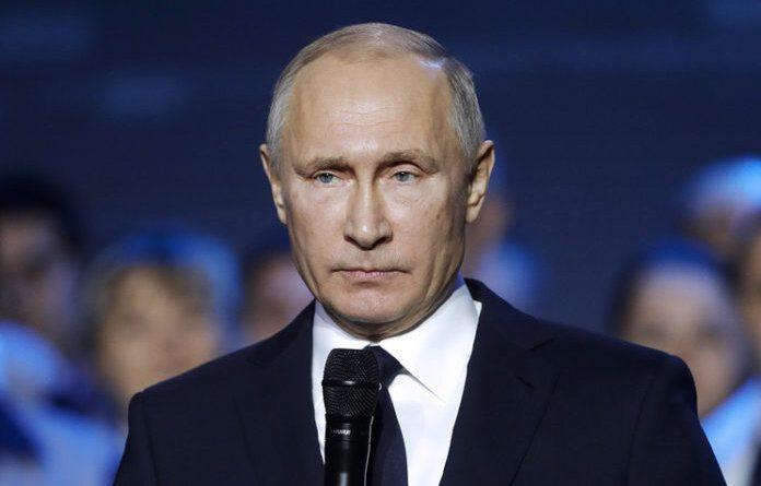 Путин сделал заявление по ограничениям из-за COVID-19