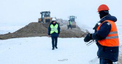 Работы по строительству дороги в Усинск идут масштабно, быстро и качественно