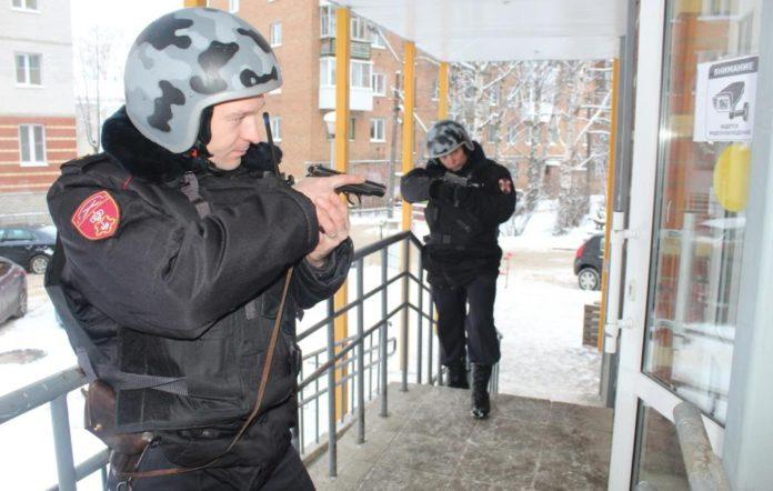 Росгвардия в Усинске предлагает работу с зарплатой в 30-50 тыс рублей