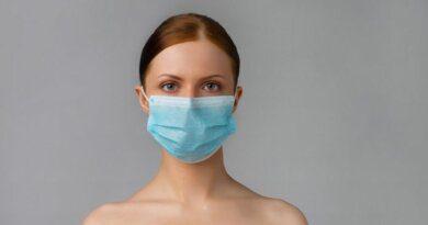 Роспотребнадзор: маска снижает риск респираторных инфекций в 1,8 раза