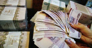 Руководитель фирмы в Усинске обманом присвоил себе 32 млн рублей и самоходный кран