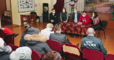 Руководители Усинска встретились с жителями деревни Захарвань и села Щельябож