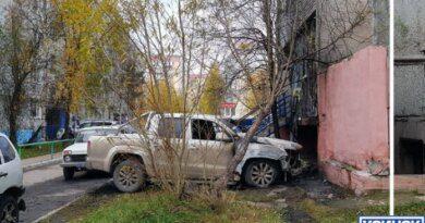 Сегодня ночью в Усинске подожгли автомобиль