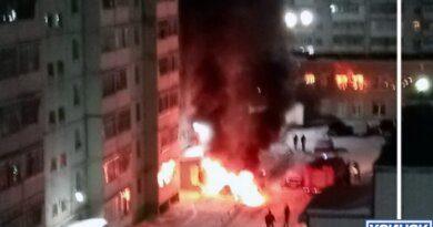 Сегодня ночью в Усинске сгорел автомобиль