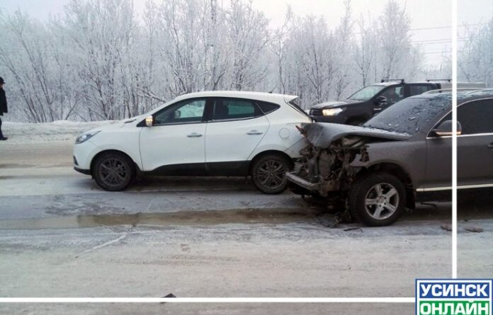Сегодня в Усинске Volkswagen врезался в Hyundai