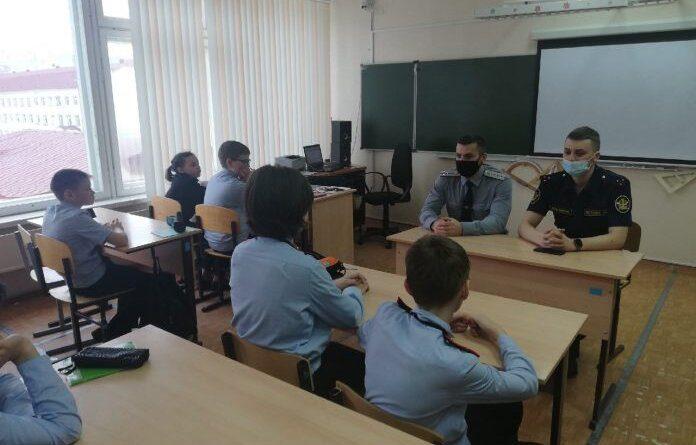 Школьники Усинска познакомились с системой службы исполнения наказаний