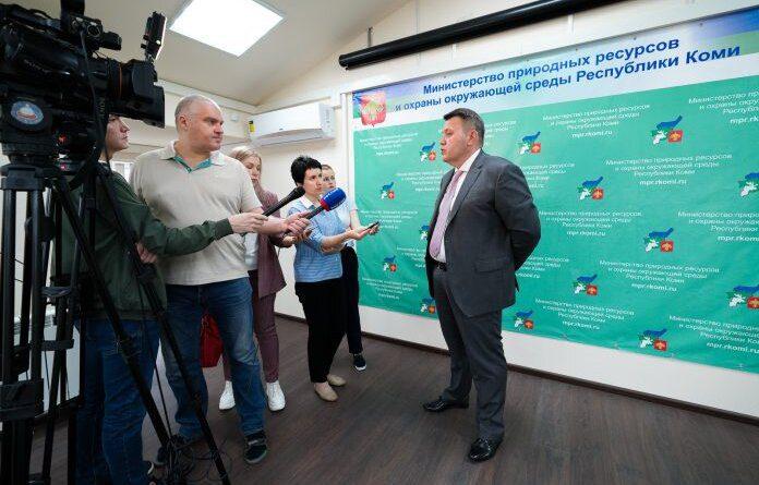 Ситуация с утечкой нефтесодержащей жидкости в Усинске не представляет угрозы для населения