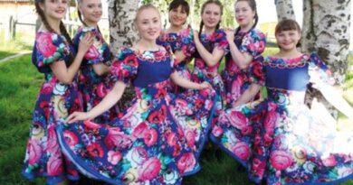 Сразу три творческих коллектива села Мутный Материк обновили сценические наряды