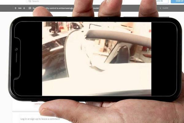 Стеклянная крыша Tesla Model Yулетела через часпосле покупки&nbsp