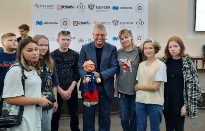 Талантливые школьники Усинска представляют регион на смене «Таланты Арктики. Дети»