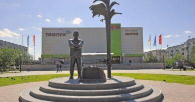 Территорию вокруг памятника Нефтянику реконструируют