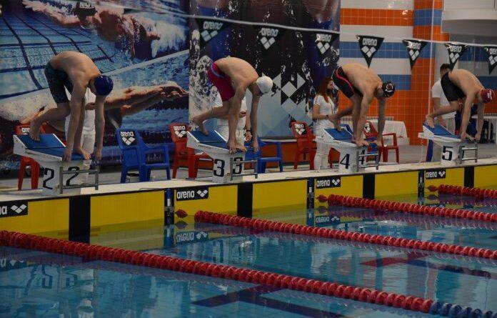 Усинские пловцы привезли из Сыктывкара медали Чемпионата Республики Коми