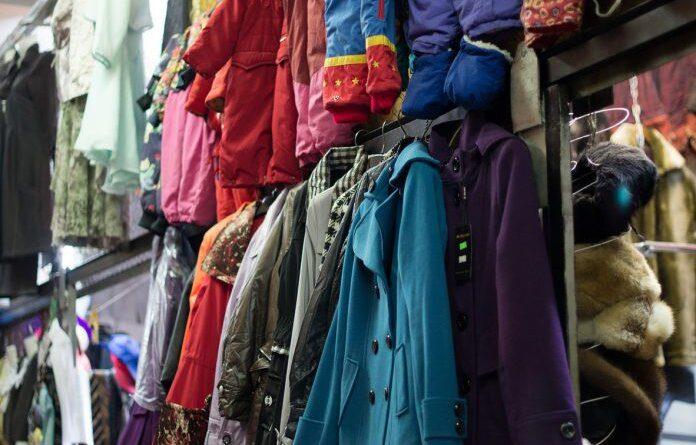 Усинский предприниматель получил штраф за контрафактные штаны