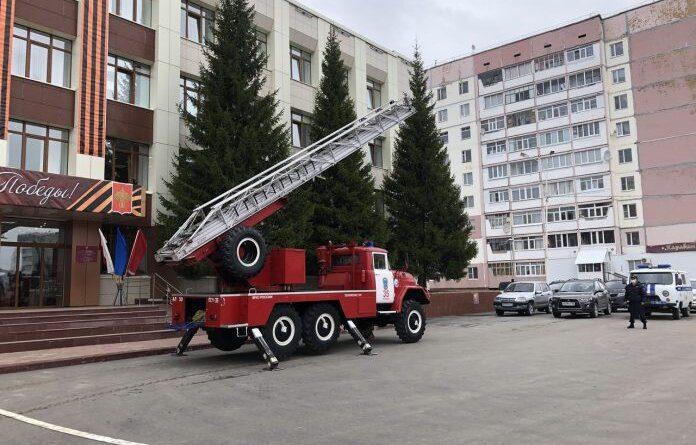"""В администрации Усинска """"ликвидировали"""" последствия взрыва и пожара"""