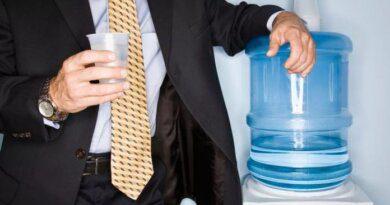 В Роскачестве рассказали, почему вода из кулеров может быть опасна