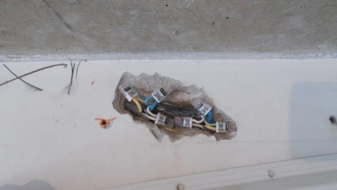 В России предложили ввести плановые проверки электропроводки в квартирах