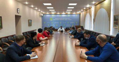 В Усинске ещё до начала рабочего дня началось совещание