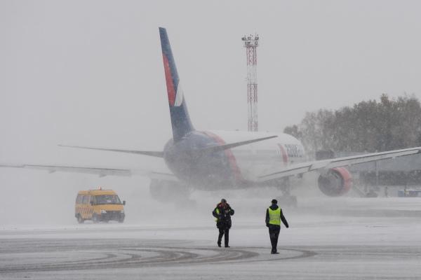 В Усинске из-за непогоды закрыт аэропорт