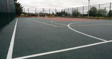 В Усинске на городском стадионе скоро появится безопасное покрытие для игры в баскетбол