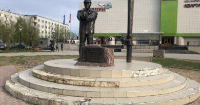 В Усинске начались работы по благоустройству перед кинотеатром