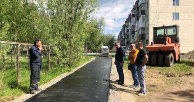В Усинске преображаются дорожки между Парковой и Строителей