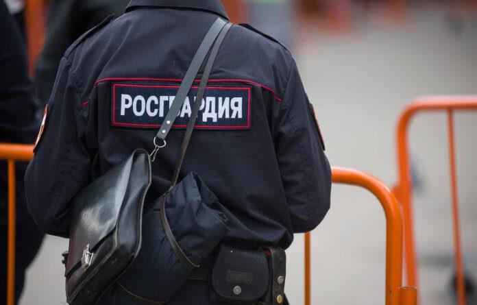 В Усинске пьяный курганец присвоил телефон своей жертвы и скрылся