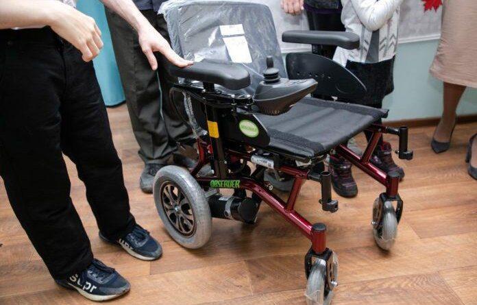В Усинске родителям особенных детей вручили новые кресла-коляски