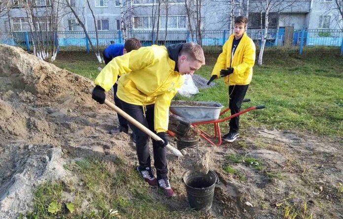 """В Усинске стартовал трудовой сезон """"Отряда мэра"""""""