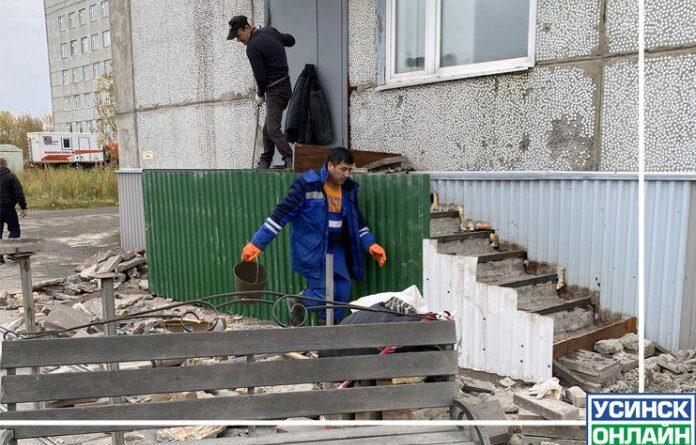 В Усинской ЦРБ отремонтировали крыльцо