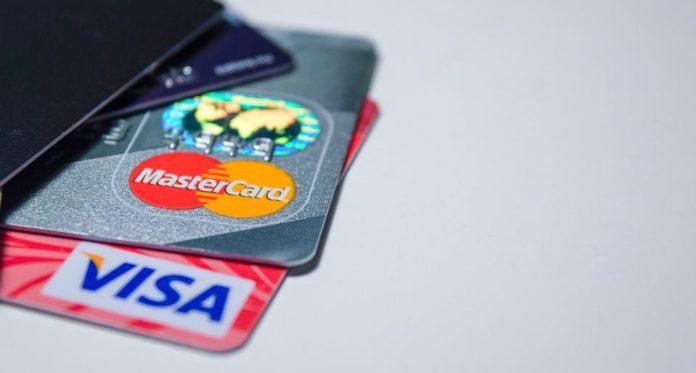 Visa в 2022 году поднимет комиссию за оплату картами в супермаркетах