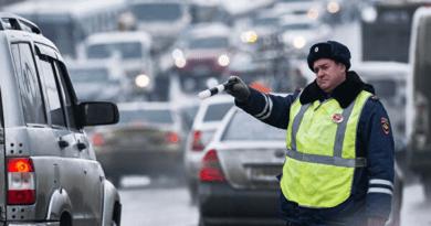 Водителей предупредили о штрафе за смену колеса на обочине — Рамблер/авто
