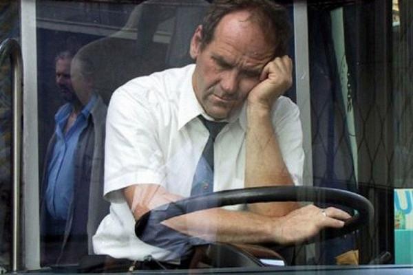 Водителям автобусов наденут противосонные браслеты&nbsp