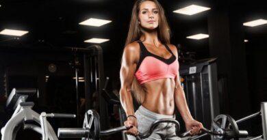 Врач-диетолог назвала неожиданные причины набора лишнего веса