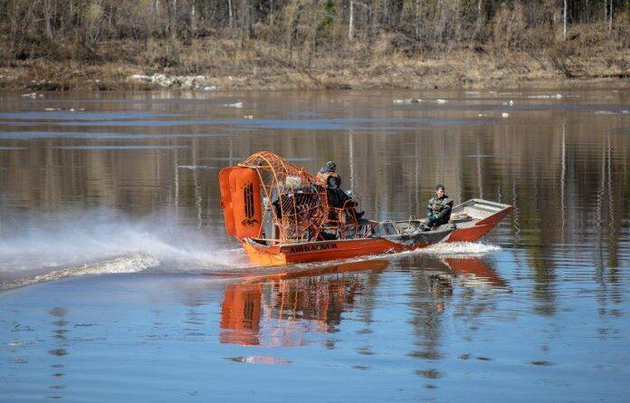 Всемирный фонд дикой природы утверждает, что разлив нефти на Колве начался раньше мая