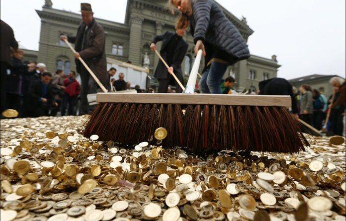 За 30 лет рубль в 40 000 раз подешевел по отношению к доллару