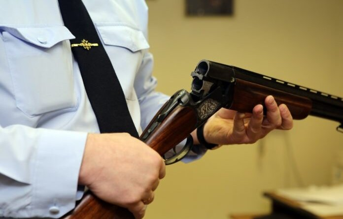 Жители Усинска могут обменять оружие и боеприпасы на деньги